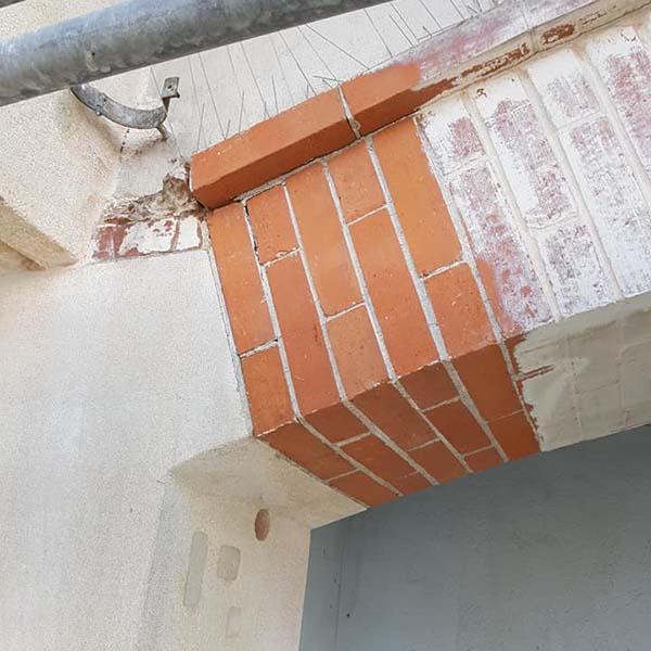 Micro sablage d'arcades en brique